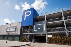 Lees meer over het artikel Parkeren bij attractiepark is aparte dienst