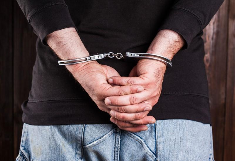 Je bekijkt nu Voorlopige hechtenis werknemer geen reden voor ontslag op staande voet